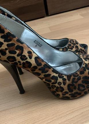 Леопардовые туфли под замш. размер 39.