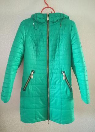 Пальто зимнее,   зеленое