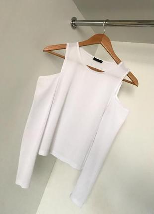 Белая белоснежная женская нарядная кофта блузка в рубчик с открытыми плечами zara