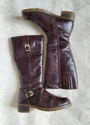 Зимние кожаные сапоги на низком каблуке 40 размер, цигейка до колена