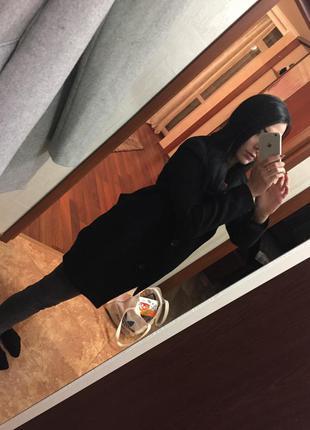 Чёрное пальто bershka