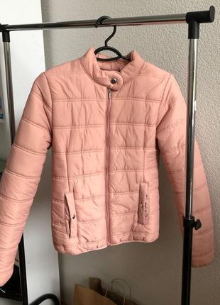 Розовая куртка stradivarius