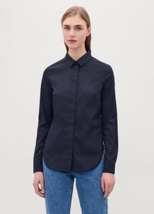 Класна базова рубашка cos,синього кольору,розмір s
