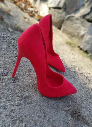 Туфли на шпильке ,красные лодочки