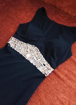 Черное облегающее платье со стразами/пайетками