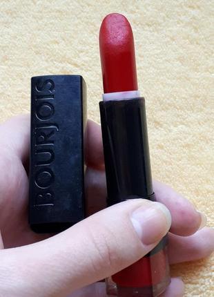 Красная французская стойкая бархатная помада кремовая буржуа франция bourlois