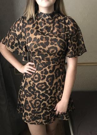 Платье с леопардовый принт