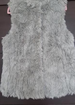 Меховая жилетка от zara