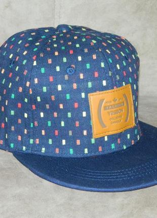 Бейсболка кепка новая летняя унисекс 56-58 тракер snapback синяя с цветными нашивками
