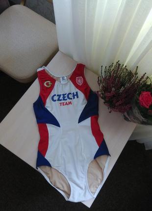 Качественный чешский спортивный купальник