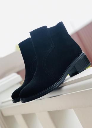 Стильные зимние ботинки кожаные замшевые наложка