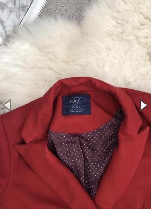 Красный пиджак зара
