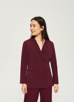 Двубортный пиджак, жакет бордового цвета oversized от sinsay