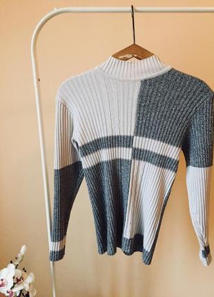 Кофта свитер с горловиной под горло
