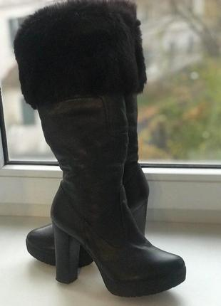 Кожаные теплые зимние сапоги на каблуке