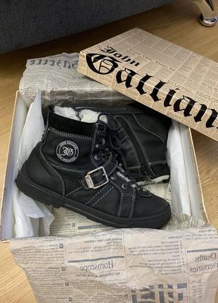 Ботинки  на мальчика john galliano оригинал италия