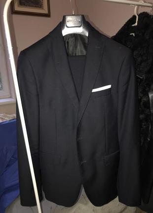 Чоловічий костюм zara