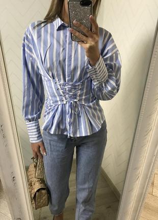 Шикарная рубашка s с корсетом