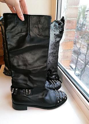 Черные демисезонные кожаные сапоги-трубы christian louboutin италия оригинал (к003)