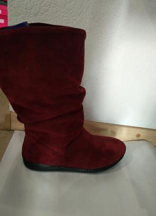 Бордовые ботинкии