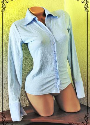 Небесно-голубая рубашка с рельефным вензельным принтом,р.m-l