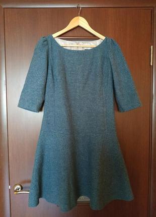 Шикарное шерстяное теплое платье villona