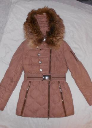 Peercat пуховик куртка роскошного оттенка, 70% пух, опушка натуральный мех, на s-m