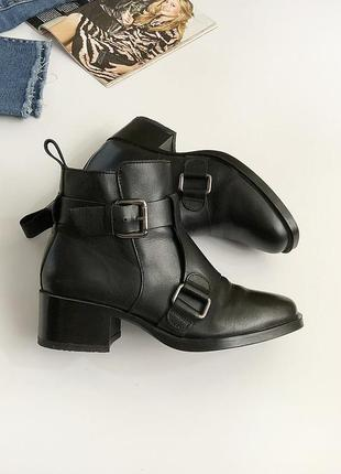 Обалденные натуральные кожаные ботинки zara (осень)