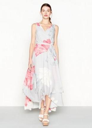 Изысканное платье в цветах!