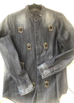 Эксклюзивная джинсовая рубашка расшитая камнями !