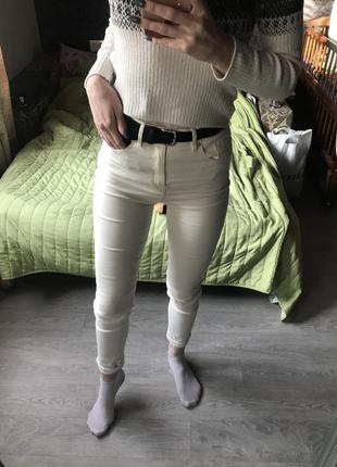 Джинсы высокая талия белые