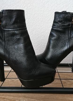 Ботильоны ботинки кожаные зимние jimmy choo оригинал размер 36