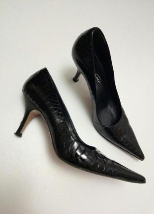 🌿красивые лаковые туфли лодочки на низком каблуке kenneth cole