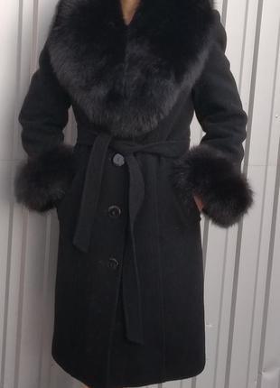 Зимнее кашемировое пальто на утеплителе