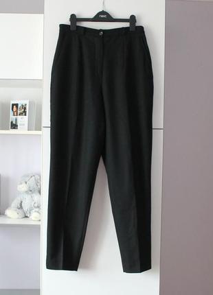 Черные шерстяные винтажные брюки бананы от biaggini