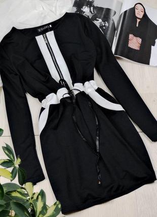 Черное платье на молнии с длинным рукавом размер m