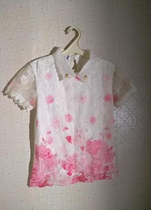 Красивая блуза с ажуром, кружевом, воротником