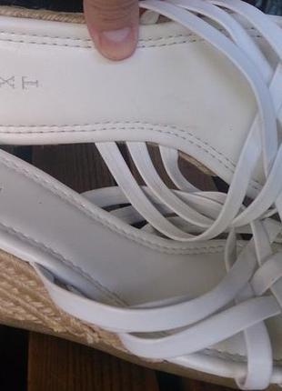 Босоножки белые 42 размер