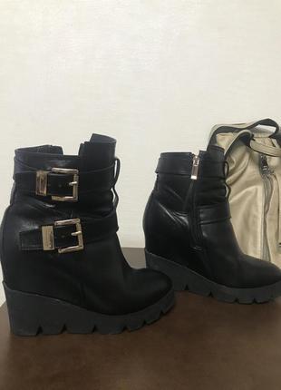 Зимние ботинки на платформе estro