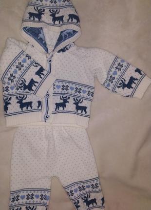 Вязаный костюм с оленями