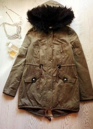 Теплая парка хаки с густым черным мехом и кожаными вставками длинная куртка деми
