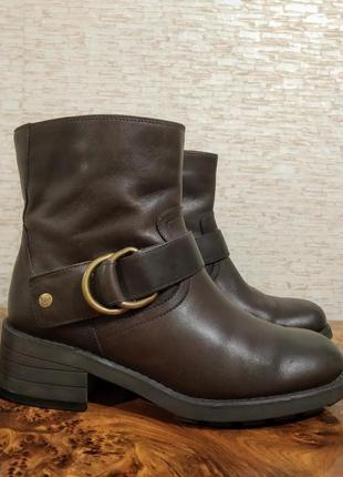 Кожаные ботинки clarks натуральная кожа тракторная подошва добротные
