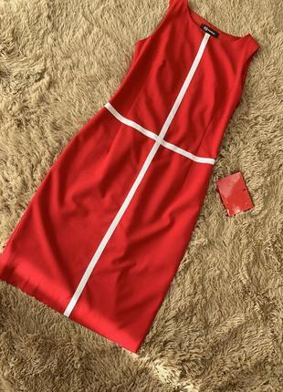 Платье-футляр( 36 размер) monton