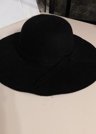 Шляпа флоппи