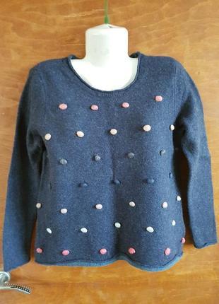 Теплый шерстяной свитер размера 46-48.