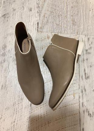 Ботинки із натуральної шкіри,від andre,розмір 37