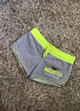 Стильные яркие шорты размер хс-с hollister