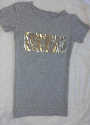Актуальная футболка с надписью vogue,оттенок меланж