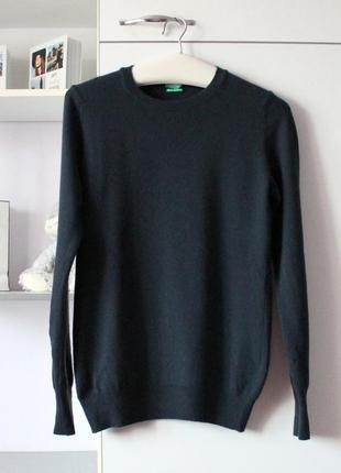 Синий базовый свитер из мягкой шерсти мериноса от united colors of benetton