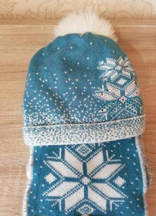 Комплект шапка и шарф.